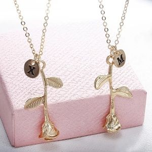 Accessories - 💖💖HP💟💟GORGEOUS ROSE INITIAL NECKLACE NEW